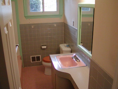 beforeanother 1950s bathroom renovation after